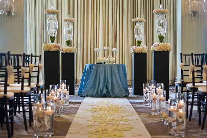 wedding ceremony flower ideas belle the magazine. Black Bedroom Furniture Sets. Home Design Ideas
