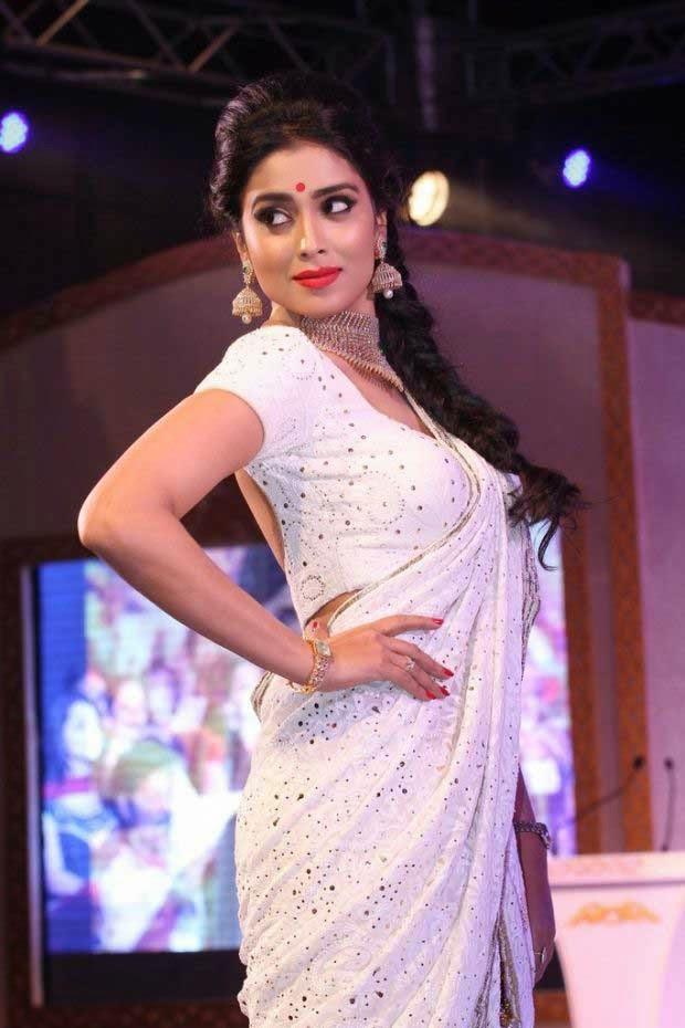 Shriya Saran at GR8! Women Awards 2014