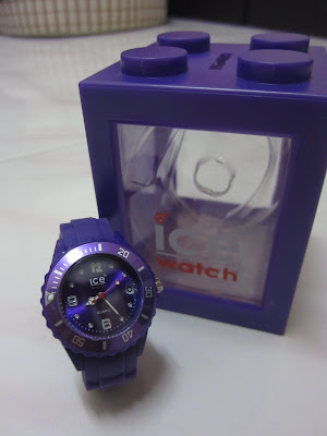 watch christmas present
