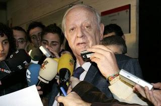 Ángel María Villar relegó de su cargo al presidente del citado Comité el sábado 11-08-2012 por las presiones de Gaspart, Rosell y Freixa