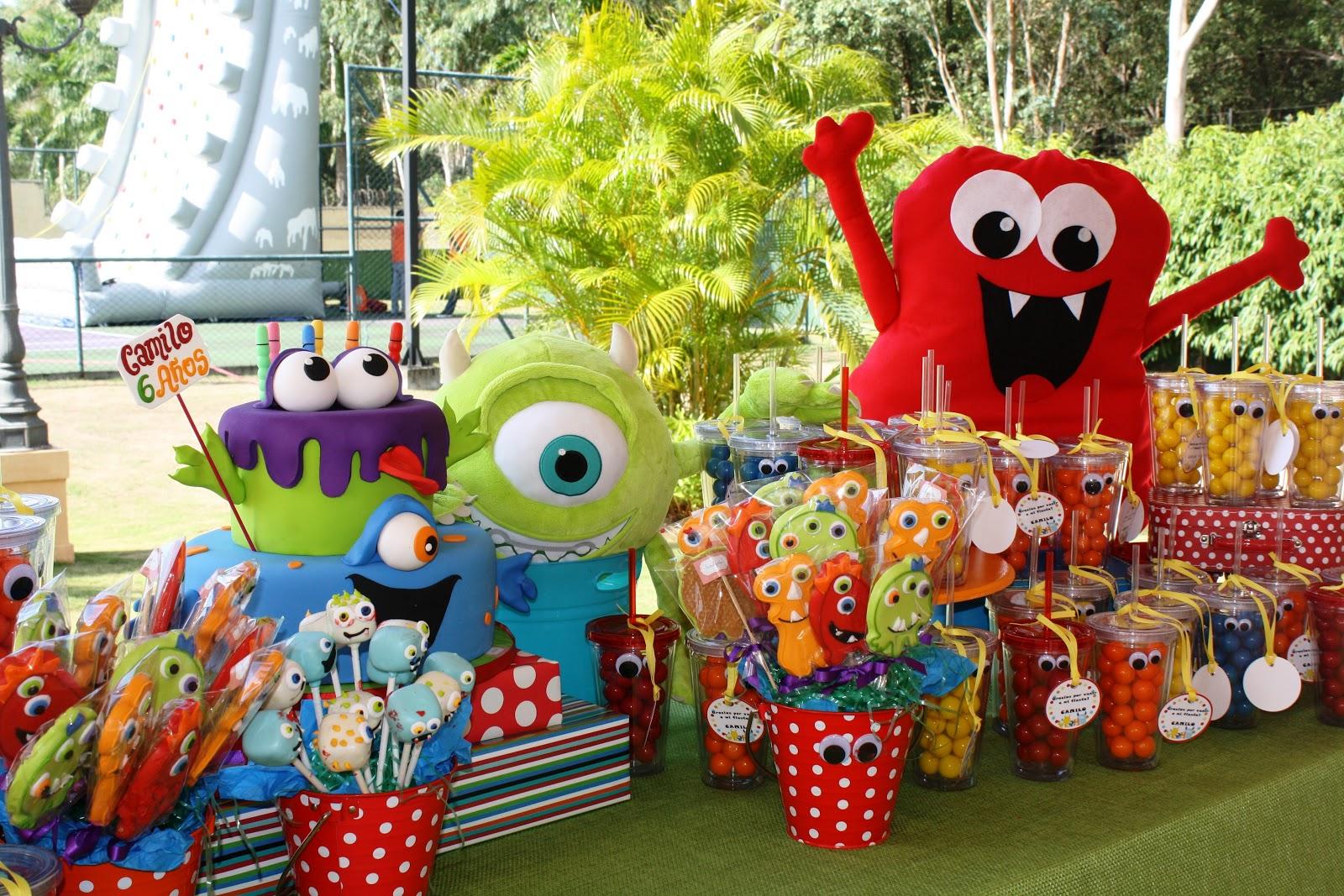 Fiesta Monstruos Divertidosfesta on Halloween Recycled Bottle Monster