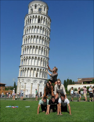 Funny picture of the Tower of Pisa