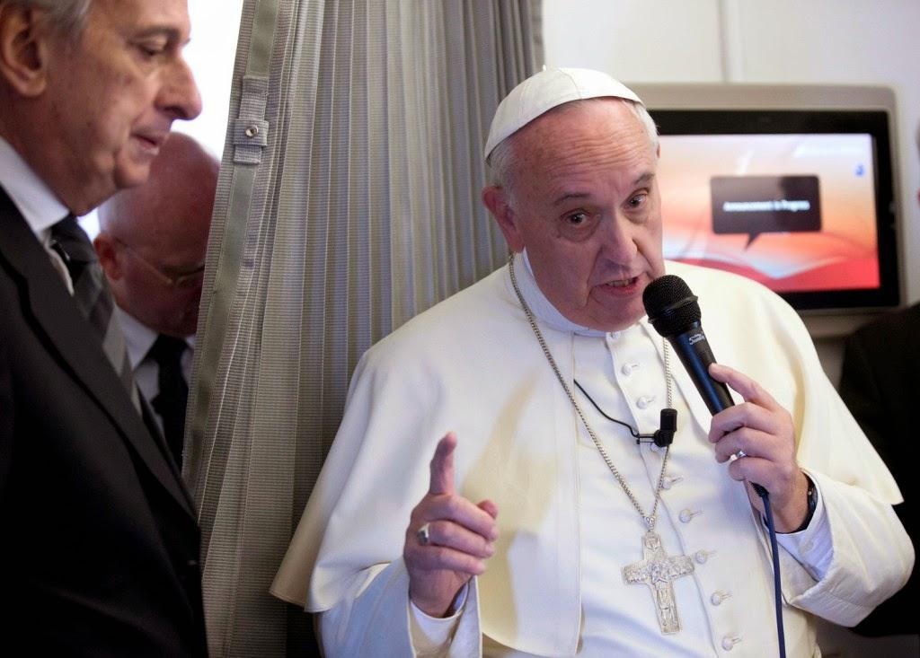 Ferenc pápa, sajtószabadság, szólásszabadság, Charlie Hebdo, Mohamed próféta,