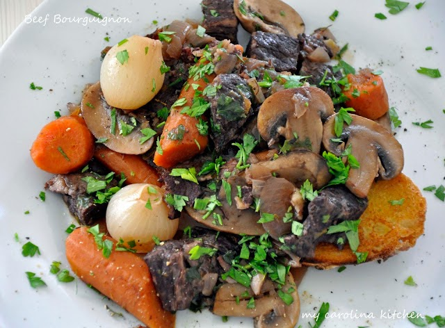 My carolina kitchen ina gartens beef bourguignon inas beef bourguignon adapted from the barefoot contessa via the food channel serves 6 printable recipe forumfinder Image collections