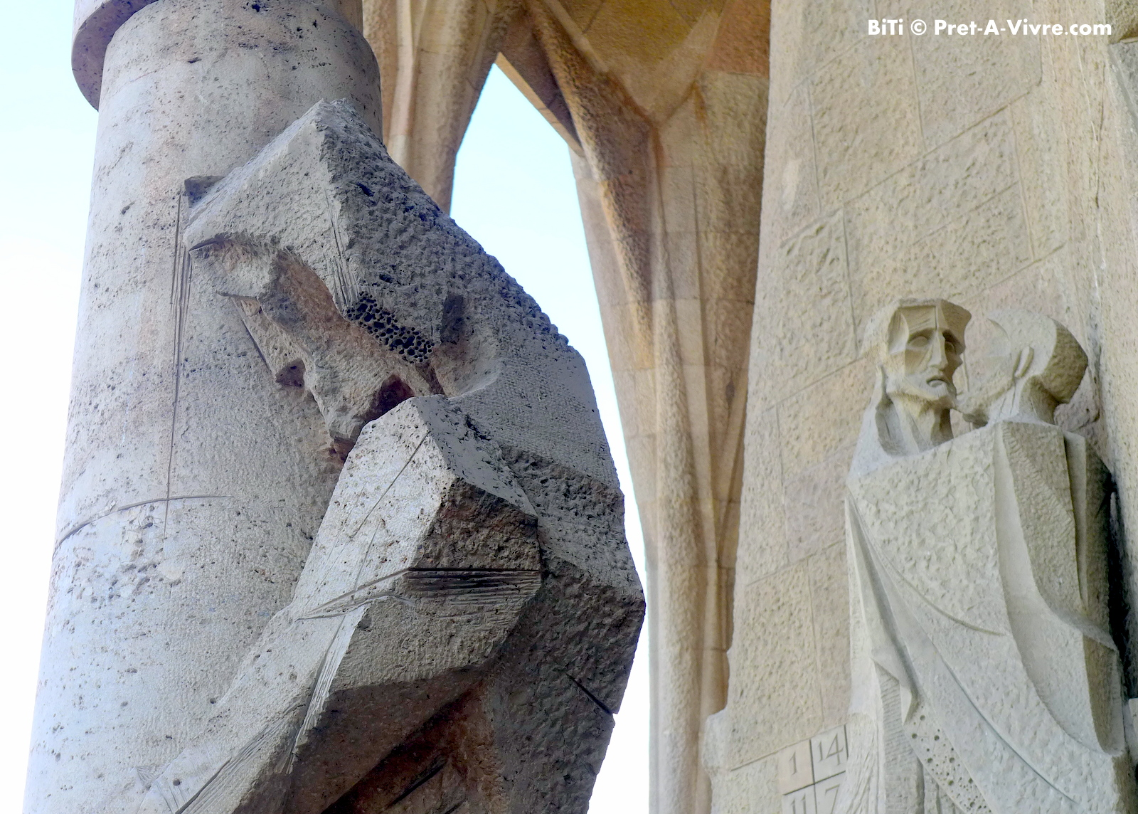 The five meters high travertine marble statue stood right in front of the bronze door in between Judas\u0027 kiss and the Denial of Peter\u0027s scene. & La Sagrada Familia - The Passion Facade | Prêt-à-Vivre [Ready to ... Pezcame.Com