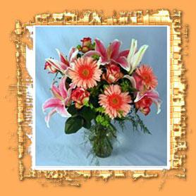 Arranjos de flores feitos com carinho e delicadas flores