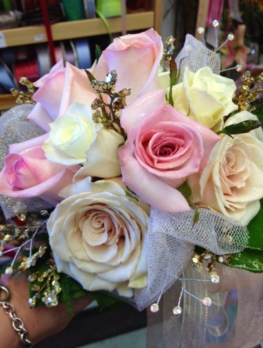 Prom Flowers: Let\'s talk about PROM Bouquets!