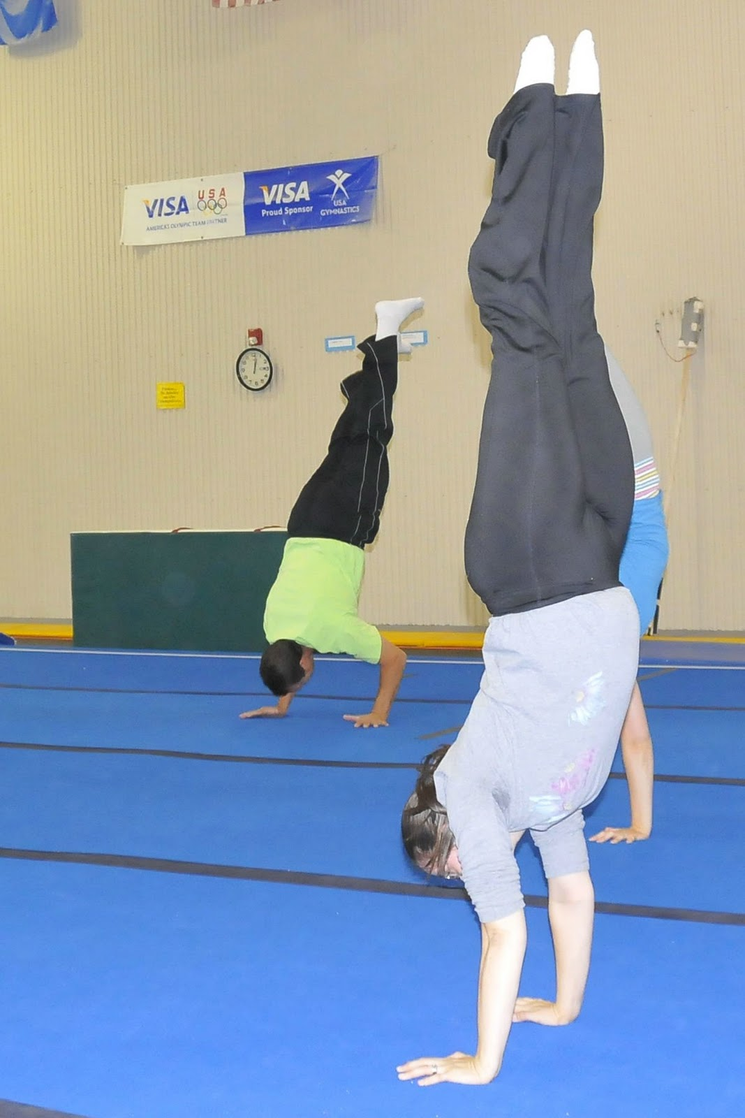 world record for longest handstand
