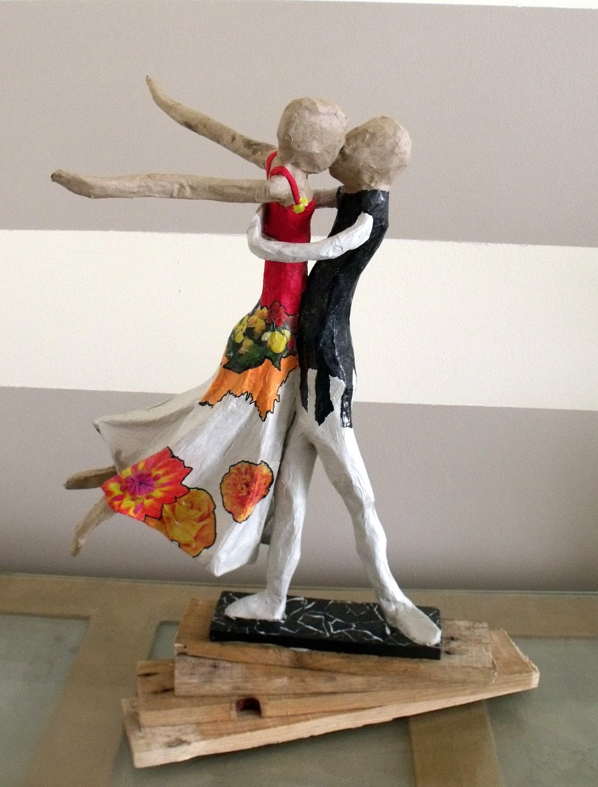 Avril 2013 - Sculptures en papier mache ...