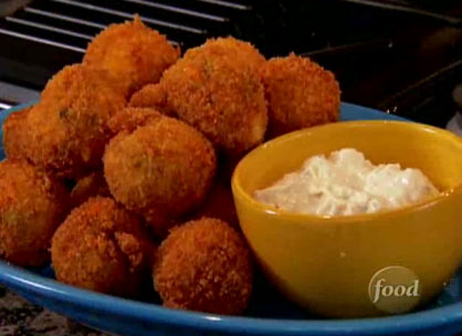 Clemson girl tailgate recipe buffalo chicken cheese balls one of my favorite tailgating dips is buffalo chicken dip but when i saw these buffalo chicken cheese balls with blue cheese dip my mouth immediately forumfinder Choice Image
