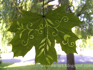 silhouette in a leaf 5    wesens-art.blogspot.com