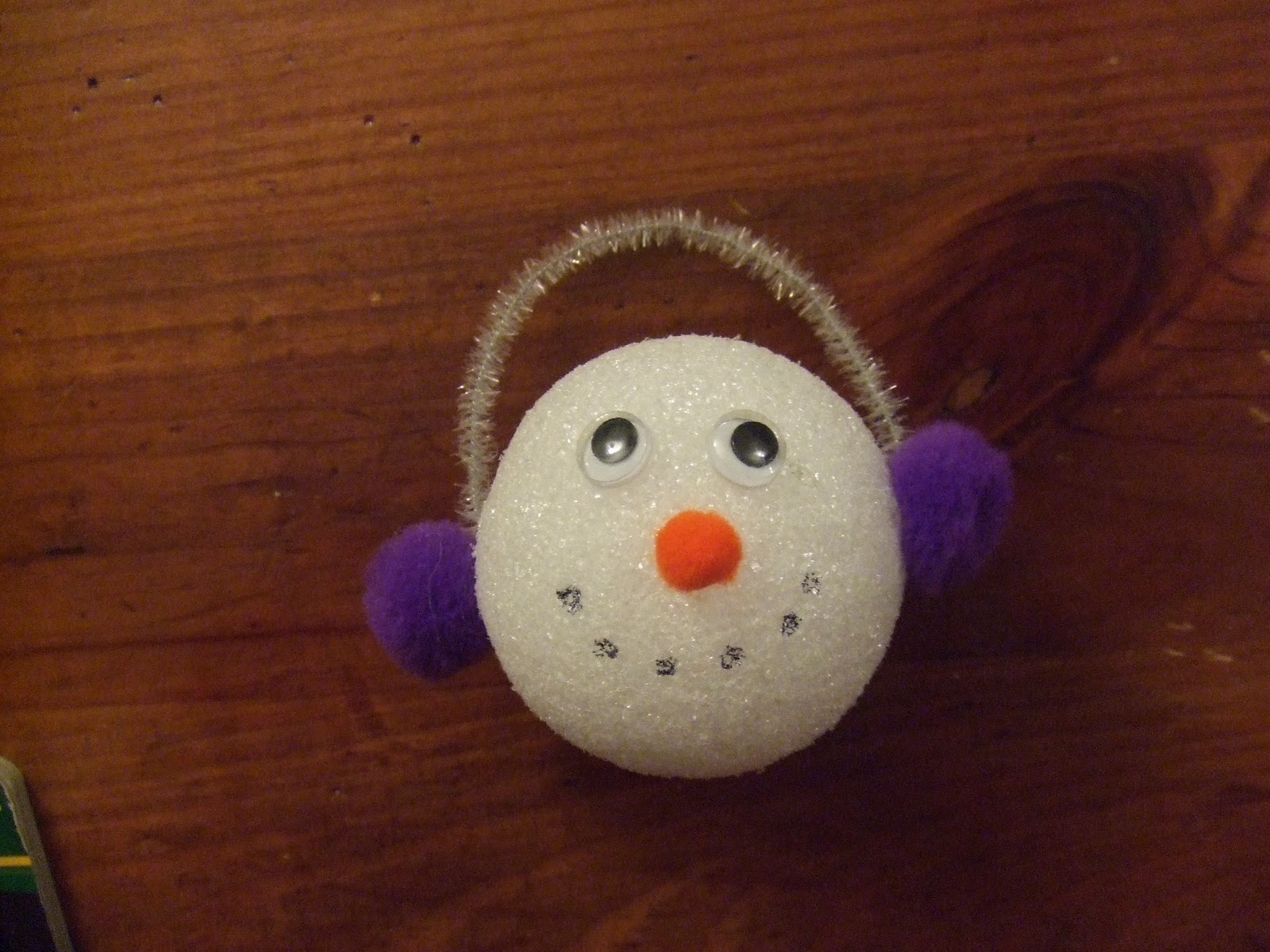 Cachey mama 39 s world of learning homemade christmas ornaments for Crafts with styrofoam balls for kids