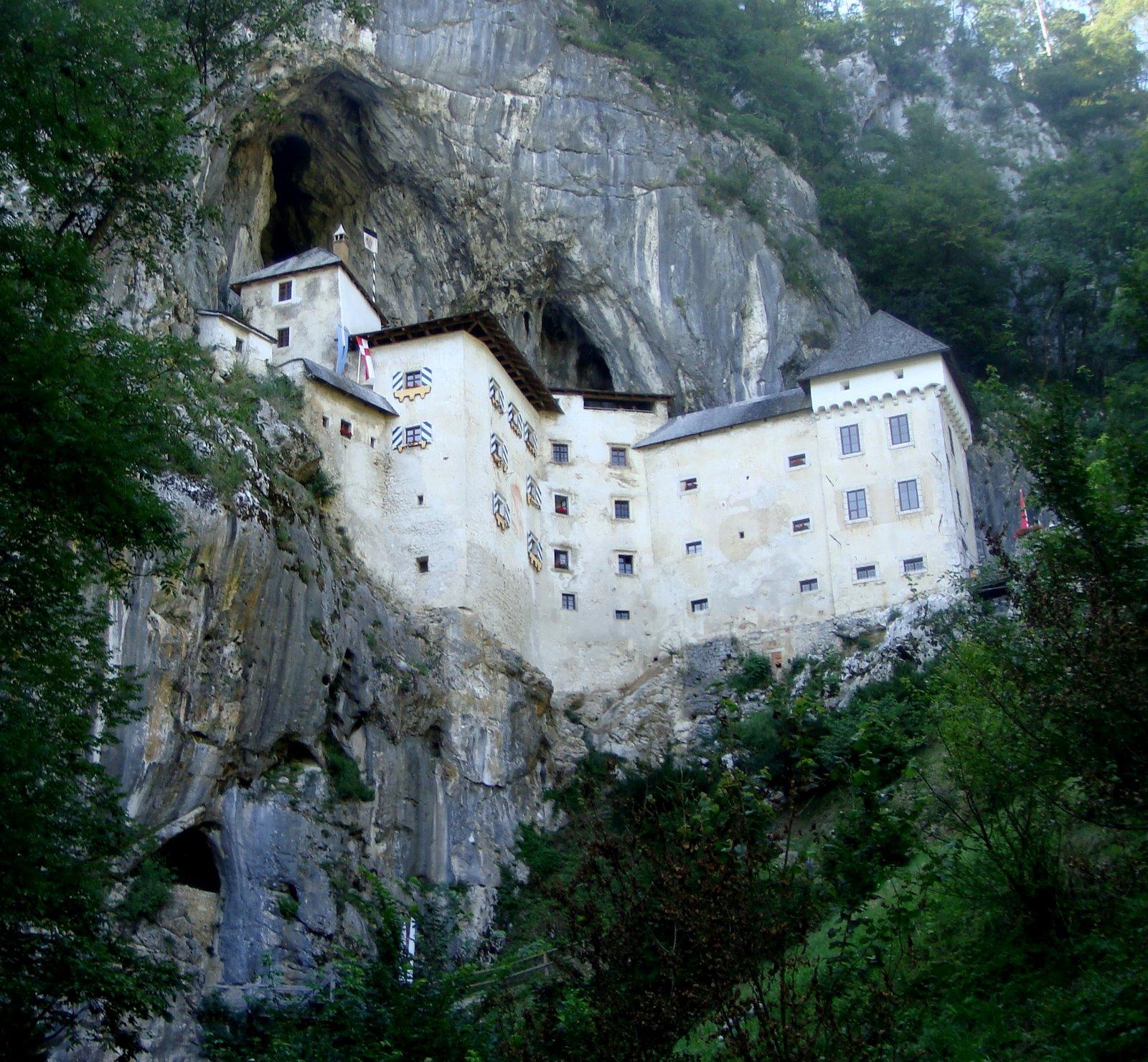 Incríveis construções em rochas