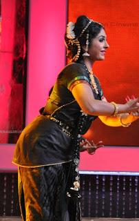 Malayalam serial actress Asha Sarath dances at Asianet television ...