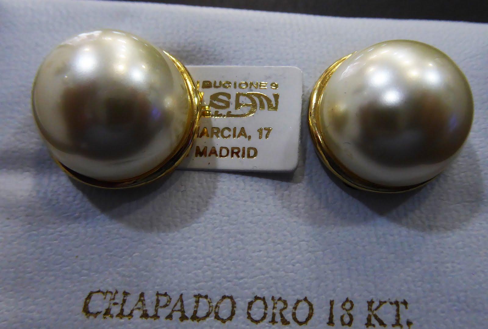 Pendientes de perla de gran tamaño
