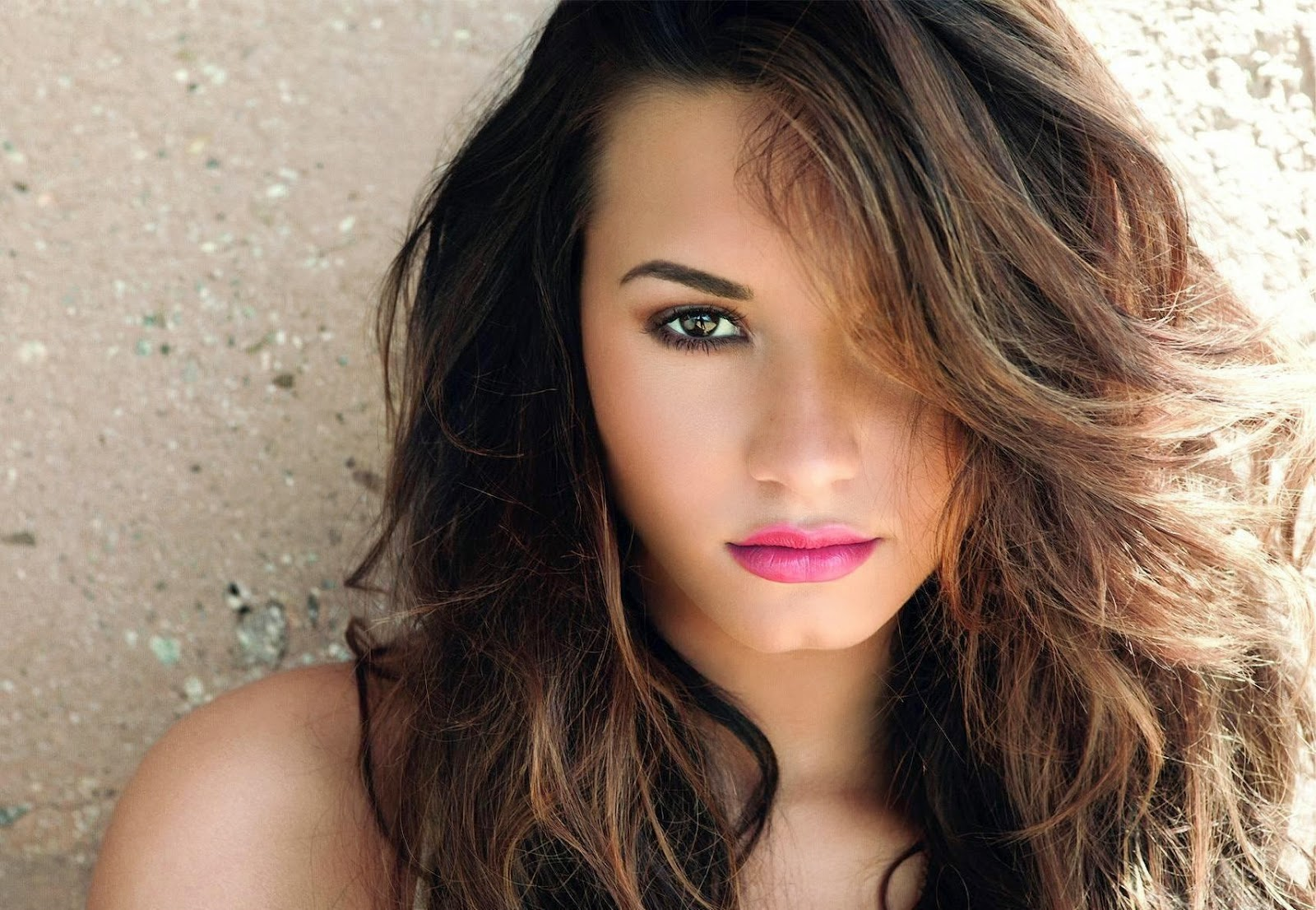 Demi Lovato Wallpapers Free Download
