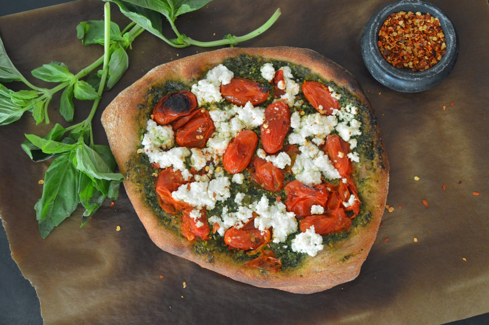 ... Recipe Redux} Spinach and Basil Pesto, Roasted Tomato & Ricotta Pizza