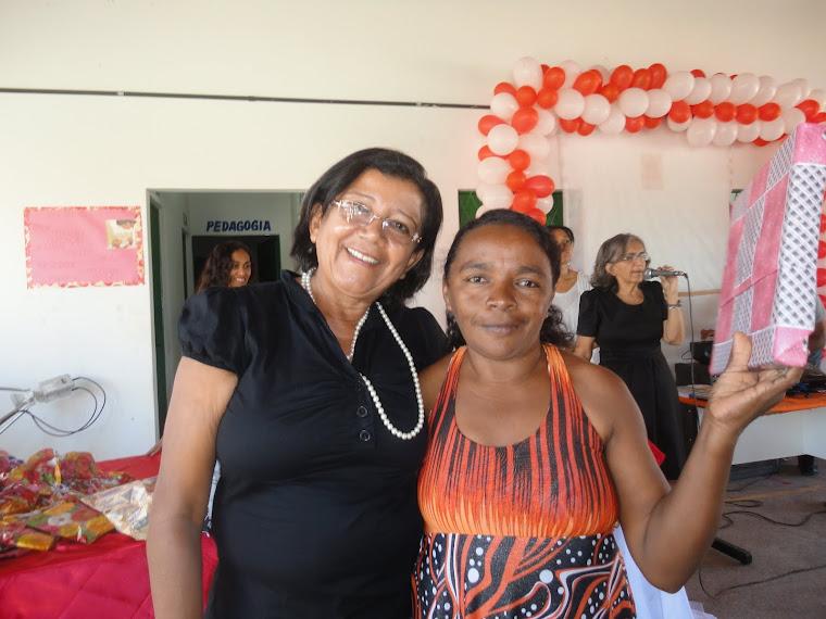 Professora Fátima e uma mãe.