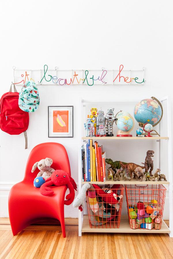 decorar-estante-quarto-criancas-organizar-brinquedos