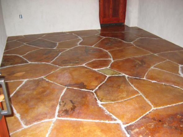 Цементный пол покрытый красителем