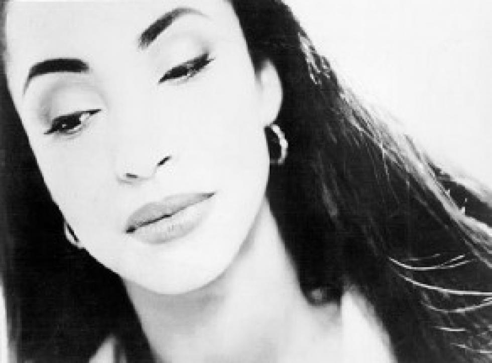 Miss Moon's Musings: A Little [SADE] for a Saturday Night Sade