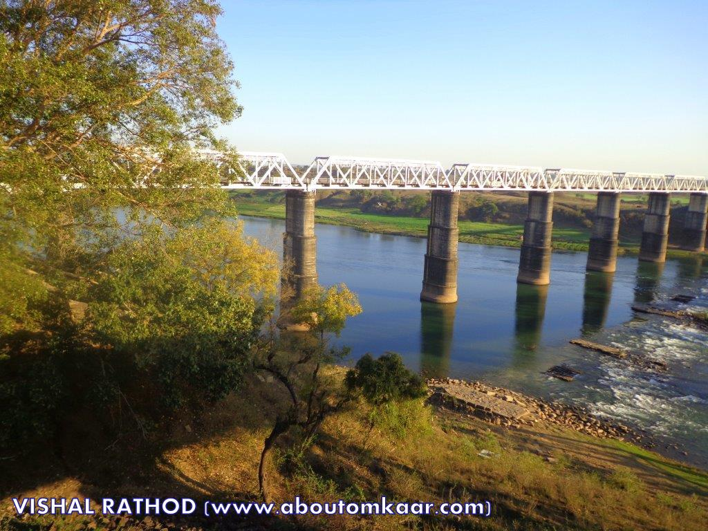 Narmada river in Madhya Pradesh, Travel India,