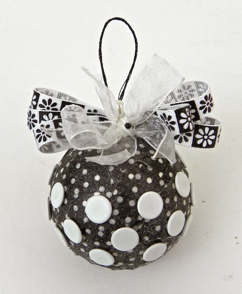 smoothfoam black white ball ornament
