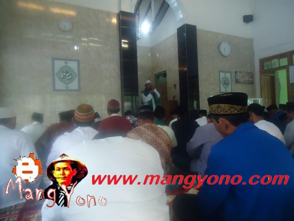 Wak Haji Johar, mengingatkan tatacara dan bacaan Niat Shalat Idul Adha.