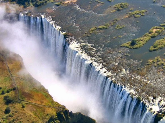 Les meilleures attractions touristique au monde les - Chutes victoria piscine du diable ...