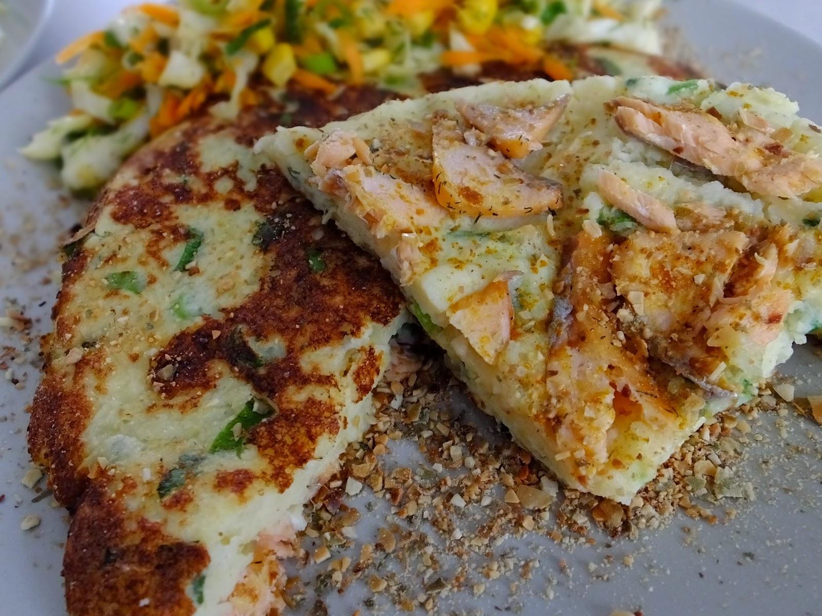 Omlet ziemniaczany z łososiem