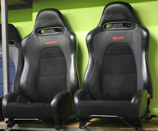 dingz garage seat recaro mitsubishi lancer evo 9. Black Bedroom Furniture Sets. Home Design Ideas