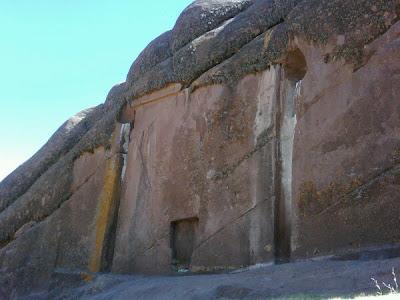 Puerta de Hayu Marca: Un ancestral portal estelar de los dioses en Perú
