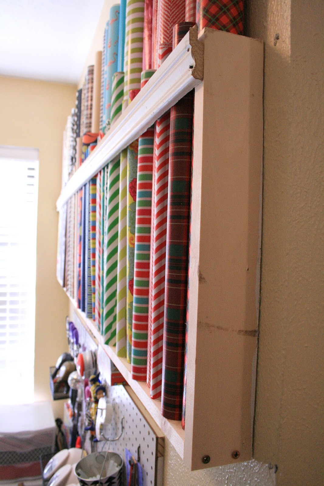 Older and wisor how to store wrapping paper for Room wraps
