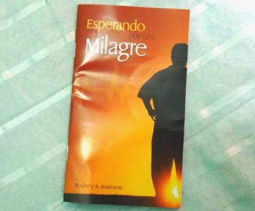 http://www.brindesgratis.com/2013/10/brindes-gratis-livro-esperando-por-um.html