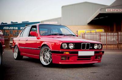 Kelebihan dan Kekurangan BMW 318i E30