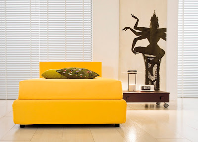habitación juvenil amarillo chocolate