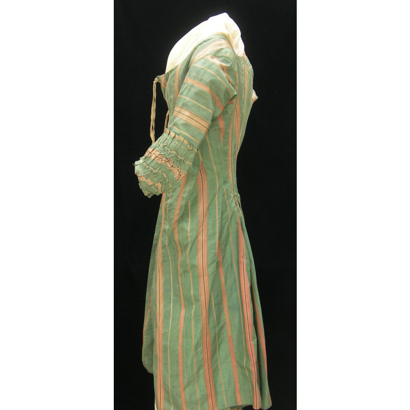 Robe A La Polonaise: Diary Of A Mantua Maker: Green