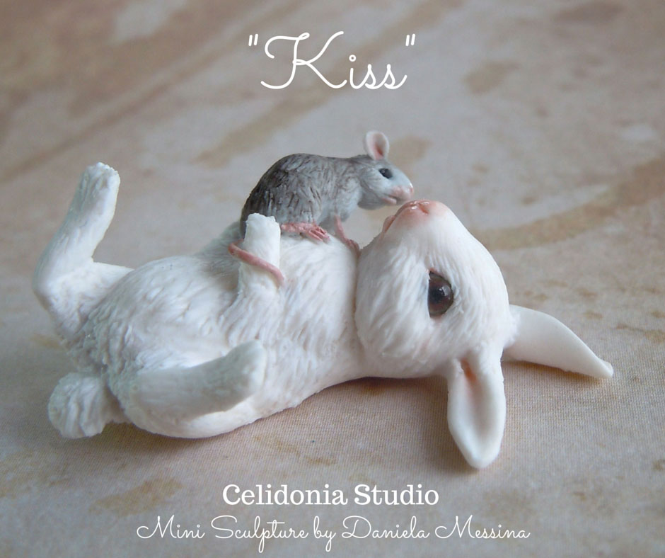 Rabbit and Mouse Kiss 1/12 - Miniature Sculpture by Daniela Messina