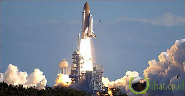 Space Shuttle Columbia – $ 13 Miliar