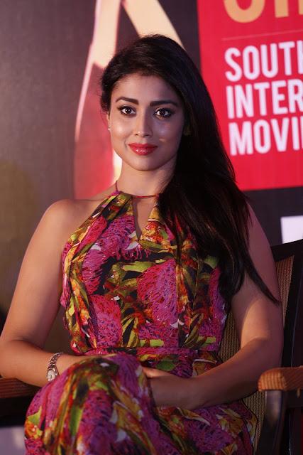Shriya Saran Latest HD images   Siima Awards