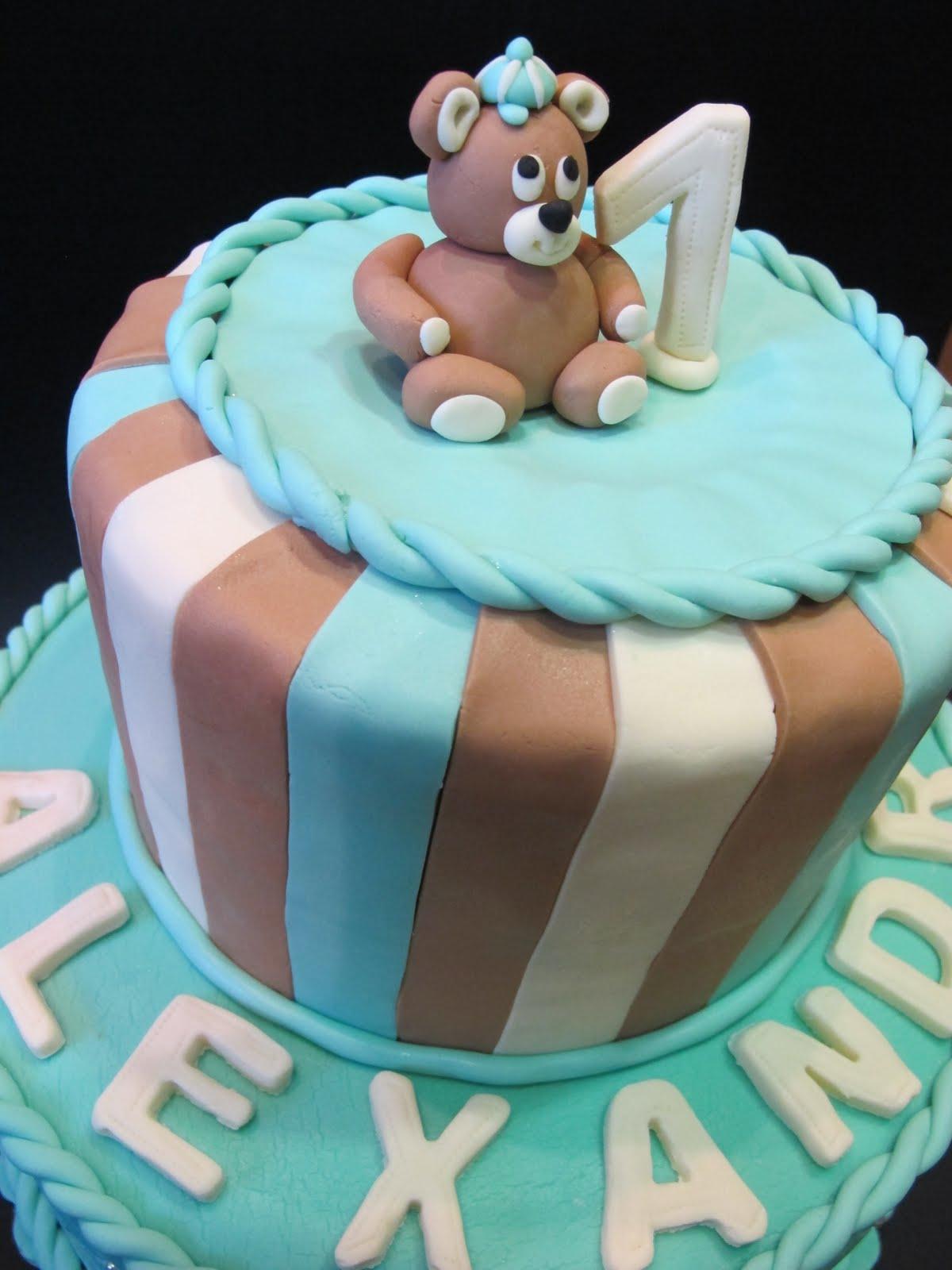 SKACCIA KITCHEN: Teddy Bear Cake