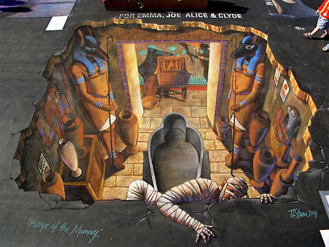 Escaping Mummy - 3D Chalk Drawing