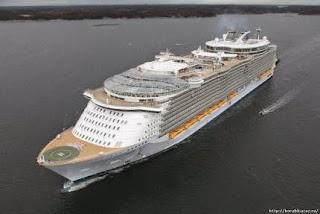 Самый большой в мире лайнер «Oasis of the Seas»