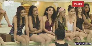 Splitsvilla 7 Contestants Bathing in Bikinis 1.jpg