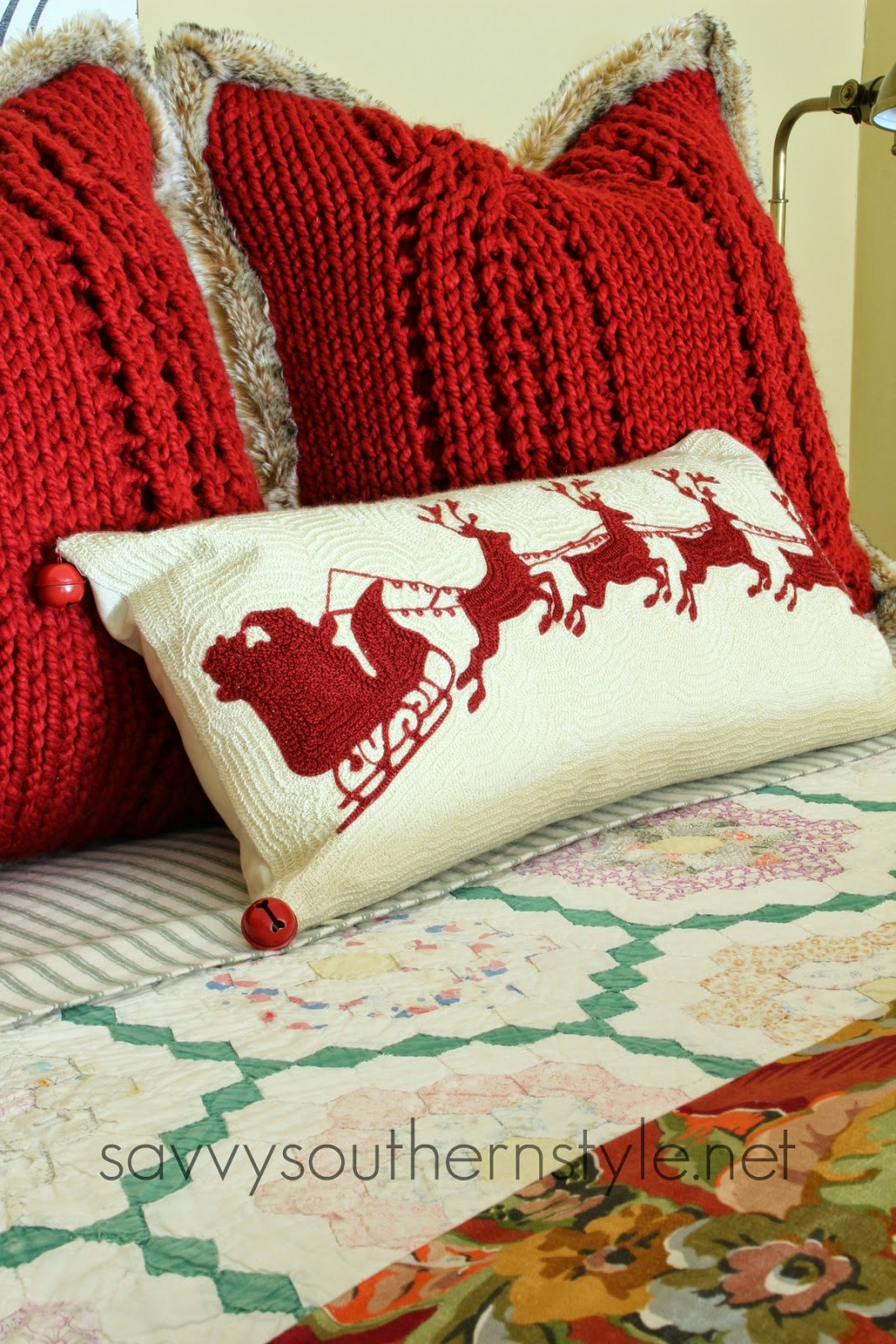 Savvy Southern Style: Traditional Red and Green Guestroom