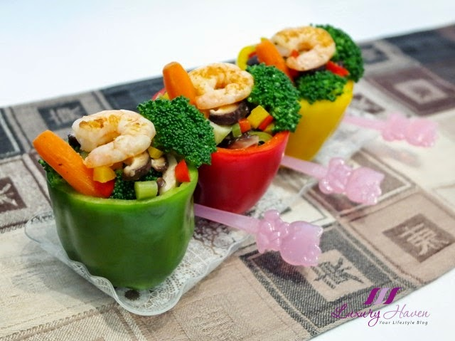 prawn salad capsicums party dish hello kitty forks