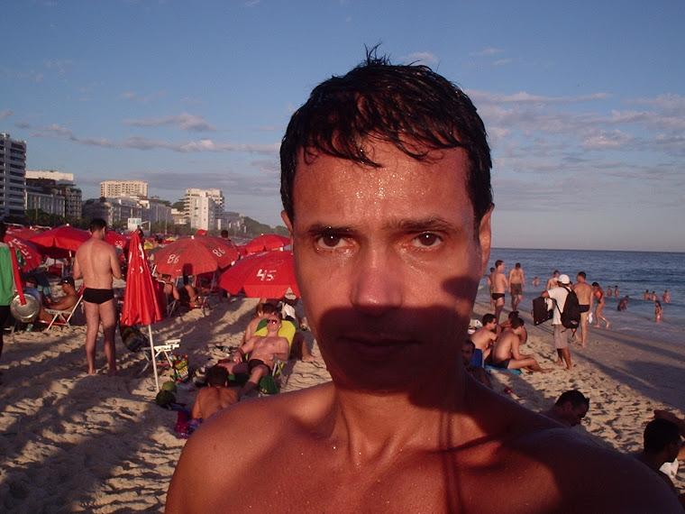 Eu na praia de Ipanema