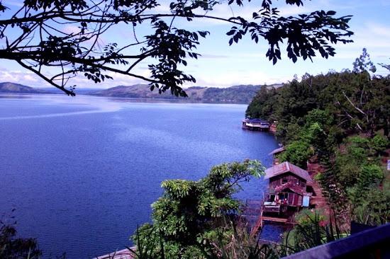 Sentani Lake. AeroTourismZone