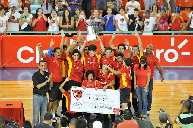 Babeque campeón Intercolegial Claro de Futsal Masculino 2013