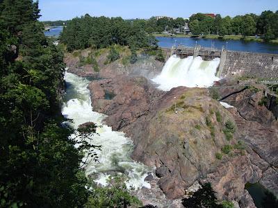 Trollhattan Falls - gates opening